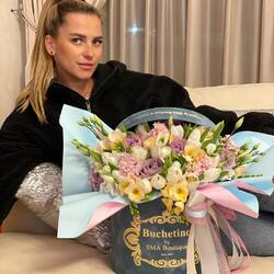 Happiness can be seen on her face. Give her flowers every day🤍💙  Order🌐: www.buchetino.ro Call ☎️: 0720701701 Shop🏠: B-dul Mircea Voda 34, Bucuresti Shop🏠: B-dul Mamaia 62; Constanta