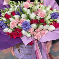 Special bouquet full of spring scent made for you by Buchetino florists🤍💜  Order🌐: www.buchetino.ro Call ☎️: 0720701701 Shop🏠: Mircea Voda 34