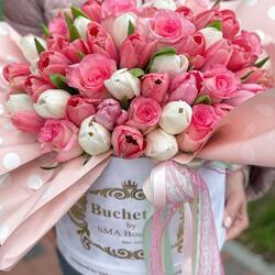 Give voice to the spring in her heart. Send her a bouquet of flowers, Buchetino🤍💗  Order🌐: www.buchetino.ro Call ☎️: 0720701701 Shop🏠: Mircea Voda 34