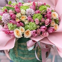 Send your girlfriend spring in a bouquet of flowers Buchetino💗🤍🌷  Order🌐: www.buchetino.ro Call ☎️: 0720701701 Shop🏠: Mircea Voda 34