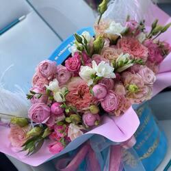 Love is not expressed in words, love is expressed in deeds🤍 Delivery flowers 24h Order🌐: www.buchetino.ro Call ☎️: 0720701701 Shop🏠: B-dul Mircea Voda 34, Bucuresti Shop🏠: B-dul Mamaia 62; Constanta ______ ______  #luxuryboquets #luxuryflowerboxes #flowerdelivery #luxurygifts #weddinggift #livramflorinonstop #luxuryflorist #onlineflowershop #floweroftheday #luxurystle #loveroses #flowerdecorations  #buchetinoconstanta #happylife #flowerinstagram #flowertalking #buchetinodesign #rolsroyce #luxurycars #101redroses #roses #luxuryroses #redroses #buchetino  #queenofluxuryflowers