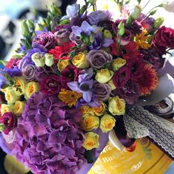 Every autumn day has a colorful story, luxury flower arrangements Buchetino🍂🍁❤️  Order🌐: www.buchetino.ro Call ☎️: 0720701701 Shop🏠: Mircea Voda 34  #livramflori #giftideas #luxuryflowersboxes #deliveryflowers #heartroses #boquete #luxurygifts #luxuryflorist #tulips #naturalflowers #buchetino #luxuryflowersboutique #boutiquegiftshop #buchetinodesign #boutiquegiftshop #cadouridelux #cutiicutrandafiri #autumn #octomber🍁
